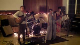 Dans Le Caniveau (Live at Wesley)