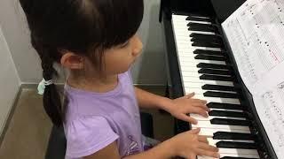 อะยูมิ  • เล่นเพลง Whistling Tune กับ backing track รอบเร็ว  • ฝึกเล่นเพลง Struttin' ช้าๆค่ะ