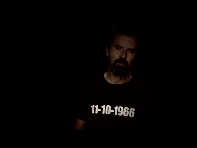 """Video oficial de """"Humo"""" de Jarabe de Palo"""