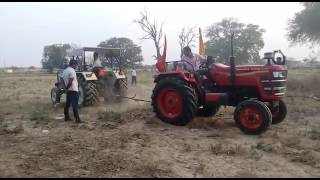 Mahindra Yuvo 415 v/s Swaraj 744 pulling competition video