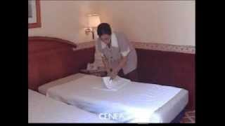 Ergonomía sector hotelero: El impacto de una cama con altura ajustable en la postura de trabajo