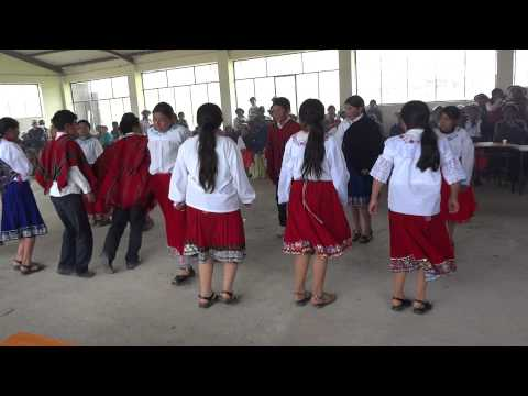 SISID: Presentación de la Danza 2 en la Unidad Educativa Sisid, Navidad 2012