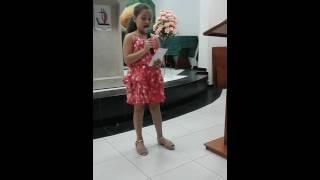 Eu cantando  ( Deus não faz acepção ) Léa Mendonça