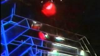 Robert Wyatt ( feat Nick Mason) - I'm a Believer  ( TOTP Sept 1974)