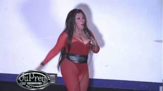 Vickiana - La Mala {Live}