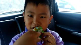 Amazing 6yo Kid Brush his Teeth with ICE CREAM
