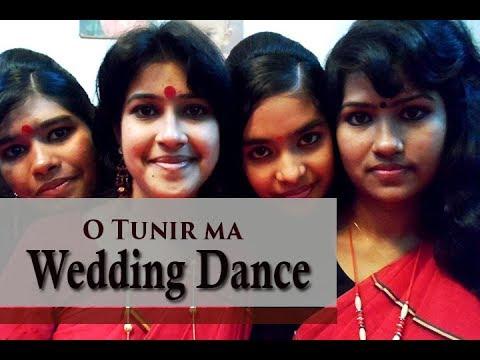 Wedding Dance (O Tunir Ma), Pabna, Bangladesh.