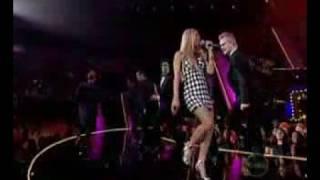 Fergie Glamorous Live 2007