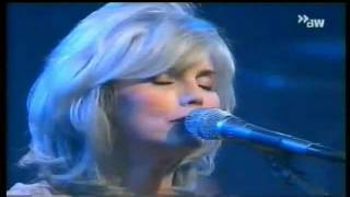 Emmylou Harris - Love Hurts - Live - 2000.wmv