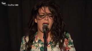 Charli XCX - Set Me Free (HD live in Germany)
