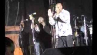 Puntual TV [20090923] El Show - Oscar de León, presentación en vivo