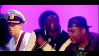 Gorillaz - Mtv World Stage - Feel Good Inc. (ft. De La Soul) Live at Roundhouse, UK