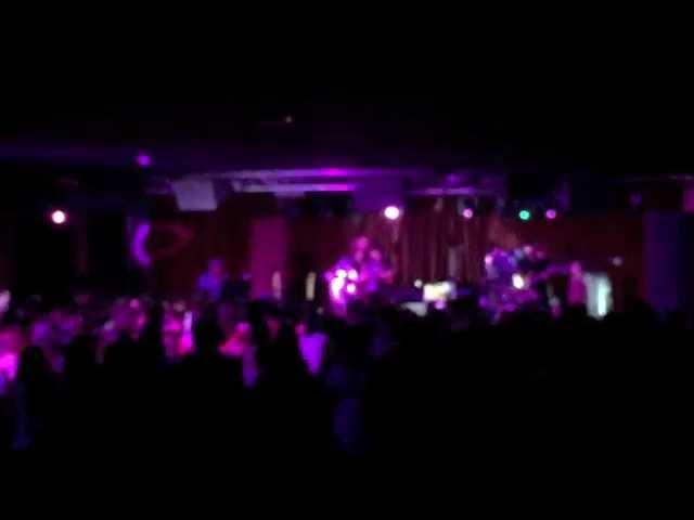 Vídeo de un concierto en la sala Acapulco.