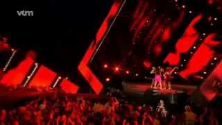 "Paradisio Bailando feat Shelby DIAZ ""Me Dices Adios REMIX"" (Live @ VTM Hit The Road 2009).flv"