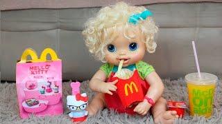 Baby Alive no Mc Donald's Clarabela e Aninha Comendo McLanche Feliz - マクドナルドのでベビーアライブ