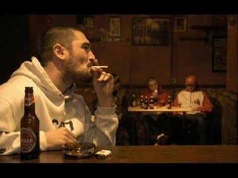 No Hay Alcohol de Jota Mayuscula Letra y Video