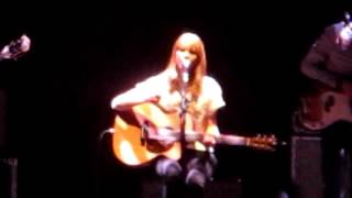 Lucy Rose - Middle Of The Bed - Live Brighton Centre