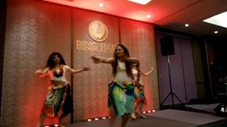 Pate pate Polynesian dance