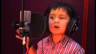 Un copil cu o voce incredibila