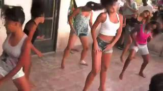 Meninas Dançando Funk (Meme Original)
