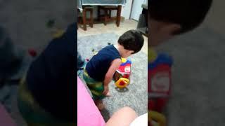 Daniel dançando Pablo Vittar chama o papai pra dançar