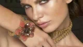 Viktorija Bowers Makeup artist