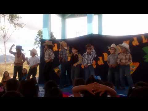 1st grade Cowboy dance