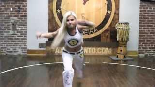 Axe Capoeira Toronto - Beginner Training #8 - Esquiva Agachado