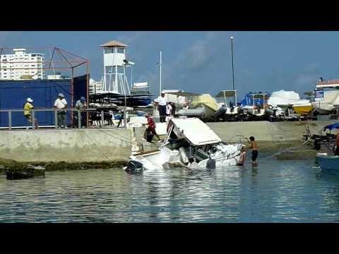 Impacto de olas por Tsunami llegan a Salinas Ecuador – video 5