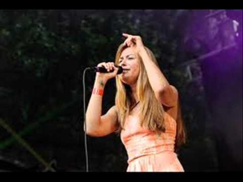 scandinavian-music-group-tiistai-roy-gini