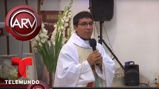 En Perú un cura da la misa entre chistes | Al Rojo Vivo | Telemundo