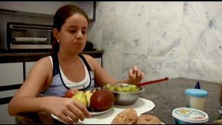 SEMPRE FELIZ - Menina de 12 anos muda hábitos para vencer sobrepeso