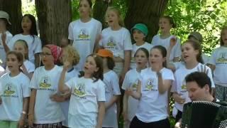 Dona dona - packende Melodie, gesungen von jungen Baslern
