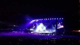 Madonna canta Holiday live in São Paulo - 05/12/2012 - Brasil