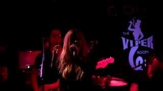 Avril Lavigne - 17 (live at the Viper Room 2013)
