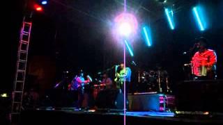 Los Tiranos del Norte - Yolanda (Live)