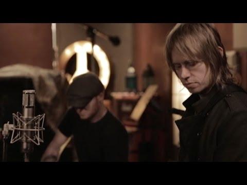 lifehouse-yesterdays-son-live-in-studio-performance-lifehouse