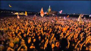 KASABIAN - processed beats (Glastonbury 2005)