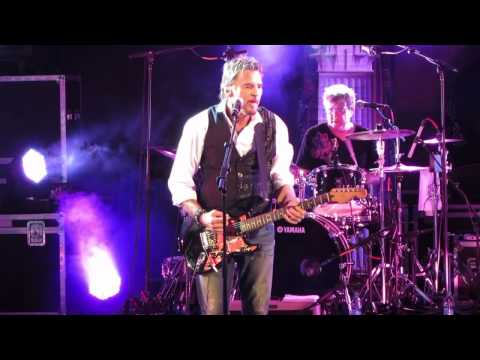 kenny-loggins-your-momma-dont-dance-your-daddy-dont-rock-roll-chesterfield-amphitheater-slamagan