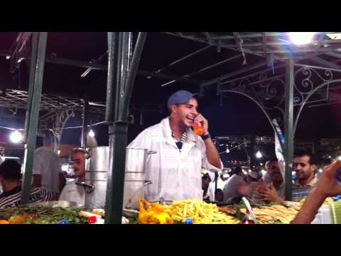 Lustiges Video in Marakesch Jemaa el Fna