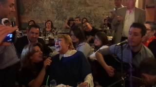 ΤΖΕΝΗ ΒΑΝΟΥ - ΘΕΛΩ ΚΟΝΤΑ ΣΟΥ ΝΑ ΜΕΙΝΩ - 10-2-2013 ΔΙΟΣΚΟΥΡΟΙ LIVE