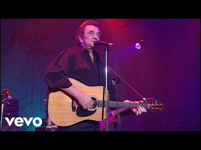 'Ring of Fire' interpretada en directo por Johnny Cash.