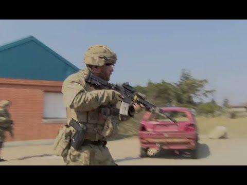 Militærpoliti træner bykamp