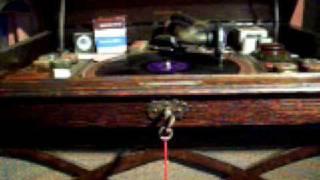 """""""Kitten On The Keys""""- IVOR MORETON & DAVE KAYE"""