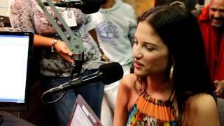 La bella Natalia Jimenez en la Romántica 88.9 FM