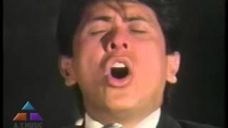 Alvaro Torres - Tres