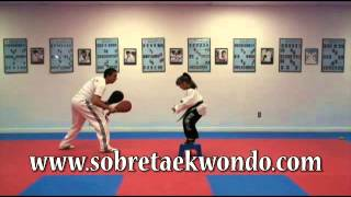 Ejercicio de coordinación y rapidez en Taekwondo (con banco)