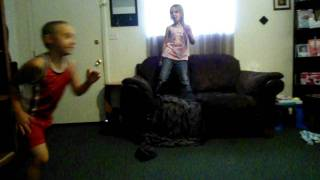 little kids dancing to ( sexy can i )
