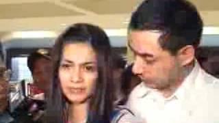 Malu Dan Shock, Alasan Cut Tari Bantah Video Mesum   CumiCumi.com