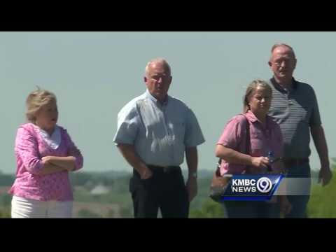Truck slams into 3 other vehicles, killing 3 on I-29